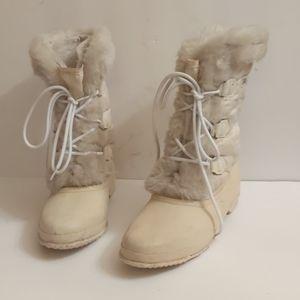 Sorel white insulated snowbird snow boots-sz 8